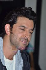 Hrithik Roshan donates bus to Dilkush school in Juhu, Mumbai on 1st Aug 2011 (43).JPG