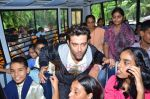 Hrithik Roshan donates bus to Dilkush school in Juhu, Mumbai on 1st Aug 2011 (63).JPG