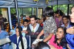 Hrithik Roshan donates bus to Dilkush school in Juhu, Mumbai on 1st Aug 2011 (64).JPG