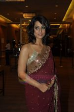Mahie Gill at Beti Gitanjali Show at IIJW 2011 in Grand Hyatt on 31st July 2011  (43).JPG