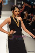 Model walks the ramp for Amrapali at IIJW 2011 in Grand Hyatt on 31st July 2011 (155).JPG