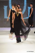 Model walks the ramp for Amrapali at IIJW 2011 in Grand Hyatt on 31st July 2011 (158).JPG