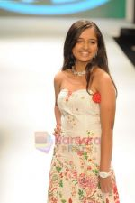 Model walks the ramp for Beti Gitanjali Show at IIJW 2011 in Grand Hyatt on 31st July 2011 (240).JPG