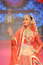 Model walks the ramp for C Krishniah Chetty & Sons at IIJW 2011 in Grand Hyatt on 31st July 2011 (107).JPG