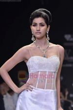Model walks the ramp for Monica Kapur at IIJW 2011 in Grand Hyatt on 31st July 2011 (106).JPG