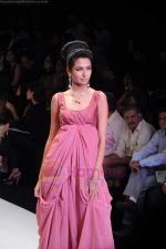 Model walks the ramp for Monica Kapur at IIJW 2011 in Grand Hyatt on 31st July 2011 (120).JPG