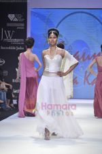 Model walks the ramp for Monica Kapur at IIJW 2011 in Grand Hyatt on 31st July 2011 (86).JPG