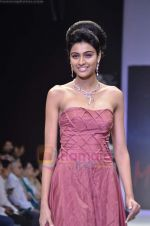 Model walks the ramp for Monica Kapur at IIJW 2011 in Grand Hyatt on 31st July 2011 (95).JPG
