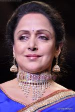 Hema Malini walks the ramp for Scintillating Jewellery show at IIJW 2011 Day 2 in Grand Hyatt on 1st Aug 2011 (61).JPG
