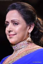 Hema Malini walks the ramp for Scintillating Jewellery show at IIJW 2011 Day 2 in Grand Hyatt on 1st Aug 2011 (62).JPG