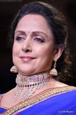 Hema Malini walks the ramp for Scintillating Jewellery show at IIJW 2011 Day 2 in Grand Hyatt on 1st Aug 2011 (63).JPG