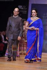 Hema Malini walks the ramp for Scintillating Jewellery show at IIJW 2011 Day 2 in Grand Hyatt on 1st Aug 2011 (67).JPG