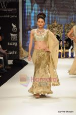 I AM She 2011 winner walks the ramp for Golecha Jewels at IIJW 2011 in Grand Hyatt, Mumbai on 1st Aug 2011 (52).JPG