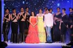 Kajal Aggarwal walks the ramp for CVM exports show at IIJW 2011 Day 2 in Grand Hyatt on 1st Aug 2011 (100).JPG