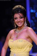 Kajal Aggarwal walks the ramp for CVM exports show at IIJW 2011 Day 2 in Grand Hyatt on 1st Aug 2011 (90).JPG