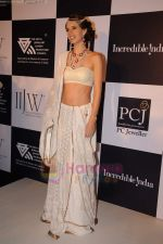 Kalki Koechlin on day 2 of IIJW 2011 in Grand Hyatt on 1st Aug 2011 (70).JPG