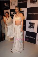 Kalki Koechlin on day 2 of IIJW 2011 in Grand Hyatt on 1st Aug 2011 (72).JPG