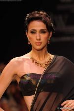 Model walks the ramp for CVM exports show at IIJW 2011 Day 2 in Grand Hyatt on 1st Aug 2011 (16).JPG