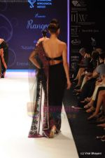 Model walks the ramp for International Gemological Institute show at IIJW 2011 Day 2 in Grand Hyatt on 1st Aug 2011 (78).JPG