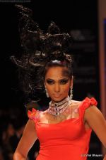 Model walks the ramp for Johara by Divya Ahuja show at IIJW 2011 Day 2 in Grand Hyatt on 1st Aug 2011 (110).JPG