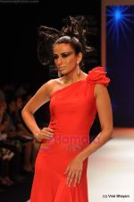 Model walks the ramp for Johara by Divya Ahuja show at IIJW 2011 Day 2 in Grand Hyatt on 1st Aug 2011 (95).JPG
