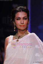 Model walks the ramp for Kays Jewels show at IIJW 2011 Day 2 in Grand Hyatt on 1st Aug 2011 (21).JPG