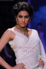 Model walks the ramp for Kays Jewels show at IIJW 2011 Day 2 in Grand Hyatt on 1st Aug 2011 (4).JPG