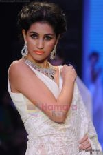 Model walks the ramp for Kays Jewels show at IIJW 2011 Day 2 in Grand Hyatt on 1st Aug 2011 (45).JPG