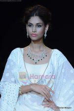 Model walks the ramp for Kays Jewels show at IIJW 2011 Day 2 in Grand Hyatt on 1st Aug 2011 (56).JPG