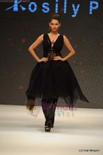 Model walks the ramp for Rosily Paul show at IIJW 2011 Day 2 in Grand Hyatt on 1st Aug 2011 (17).JPG