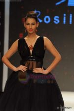 Model walks the ramp for Rosily Paul show at IIJW 2011 Day 2 in Grand Hyatt on 1st Aug 2011 (18).JPG
