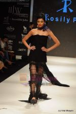Model walks the ramp for Rosily Paul show at IIJW 2011 Day 2 in Grand Hyatt on 1st Aug 2011 (30).JPG