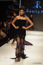 Model walks the ramp for Rosily Paul show at IIJW 2011 Day 2 in Grand Hyatt on 1st Aug 2011 (31).JPG