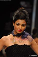 Model walks the ramp for Rosily Paul show at IIJW 2011 Day 2 in Grand Hyatt on 1st Aug 2011 (32).JPG