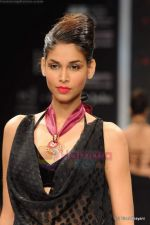 Model walks the ramp for Rosily Paul show at IIJW 2011 Day 2 in Grand Hyatt on 1st Aug 2011 (8).JPG