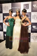 Vasuki Sunkavalli, Parul Duggal and Tanvi Singla on day 2 of IIJW 2011 in Grand Hyatt on 1st Aug 2011 (18).JPG
