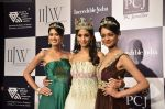 Vasuki Sunkavalli, Parul Duggal and Tanvi Singla on day 2 of IIJW 2011 in Grand Hyatt on 1st Aug 2011 (20).JPG