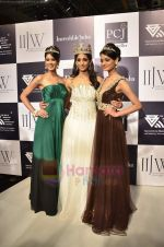 Vasuki Sunkavalli, Parul Duggal and Tanvi Singla on day 2 of IIJW 2011 in Grand Hyatt on 1st Aug 2011 (22).JPG