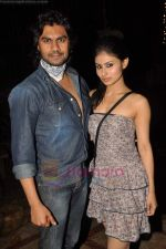 Gaurav Chopra, Mouni Roy at producer Sunil Bohra_s party in Kino_s Cottage on 2nd Aug 2011 (7).JPG