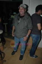 Suresh Menon at Entertainment Ke Liye Kuch bhi karega bash in Mumbai on 4th Aug 2011 (6).JPG