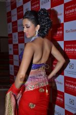 Model walks the ramp for Saree designer Shruti Sancheti showcase at 7TH Retail Jeweller Awards in Lalit Hotel on 6th Aug 2011 (58).JPG
