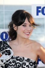 Zooey Deschanel attends the 2011 Fox All-Star Party in Gladstone_s Malibu, CA, USA on 5th August 2011 (8).jpg