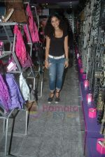 Ayesha Kapoor of Black fame at her own store launch in Infinity Mall, Malad on 9th Aug 2011 (3).JPG