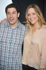 Jason Biggs and Jessica attends the FINAL DESTINATION 5 Hollywood Premiere at the Grauman_s Chinese Theatre on 10th August 2011 (11).jpg