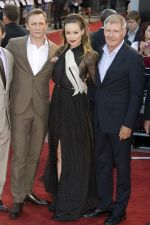 Daniel Craig, Olivia Wilde and Harrison Ford attends the Cowboys and Aliens UK Premiere in Cineworld in the O2 Arena on 11th August 2011 (10).jpg