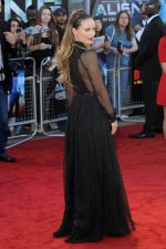 Olivia Wilde attends the Cowboys and Aliens UK Premiere in Cineworld in the O2 Arena on 11th August 2011 (16).jpg