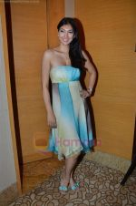 Yukta Mookhey at Archana Kochhar Show at Lakme Fashion Week 2011 Day 1 in Grand Hyatt, Mumbai on 17th Aug 2011 (95).JPG
