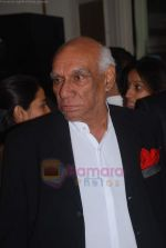 Yash Chopra at CNN IBN Heroes event in Trident, Mumbai on 18th Aug 2011 (72).JPG
