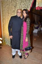 Achint Kaur at Endemol_s Sanket Vanzara_s brother wedding reception in The Club on 23rd Aug 2011 (29).JPG