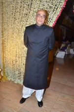 Mohan Kapoor at Endemol_s Sanket Vanzara_s brother wedding reception in The Club on 23rd Aug 2011 (23).JPG
